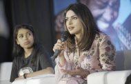 بريانكا شوبرا في مؤتمر لليونيسيف
