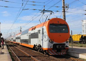 سوء الأحوال الجوية يتسبب في اضطراب حركة سير القطارات