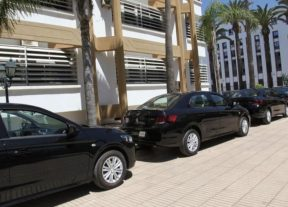 توزيع 44سيارة نفعية على النيابات العامة