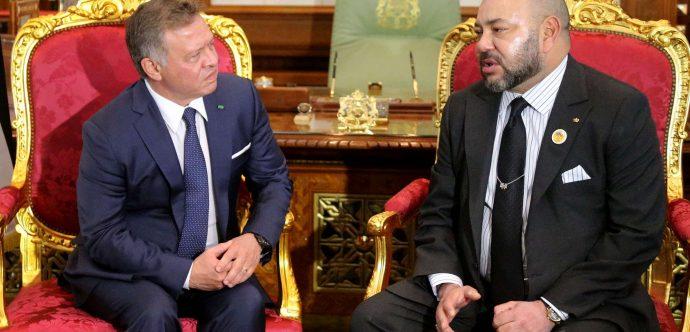 جلالة الملك يهاتف الملك عبد الله الثاني و يجدد تضامنه التام والطبيعي مع الأردن الشقيق