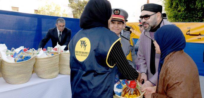 """جلالة الملك يعطي تعليماته السامية لإنطلاق النسخة 22 من عملية توزيع الدعم الغذائي """"رمضان 1442"""""""