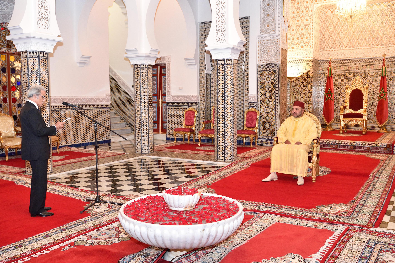 جلالة الملك محمد السادس يستقبل والي بنك المغرب