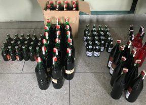 الأمن الوطني بأكادير يضبط شاحنة محملة بــ300علبة كرتونية للمشروبات الكحولية ويوقف ثلاثة أشخاص على ذمة التحقيق