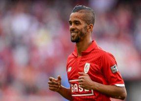 المهدي كارسيلا أفضل لاعب عربي في البطولة البلجيكية