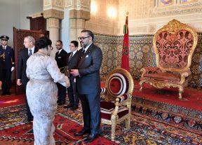 جلالة الملك يعين عددا من السفراء الجدد ويستقبل عددا من السفراء الأجانب بعد انتهاء مهامهم
