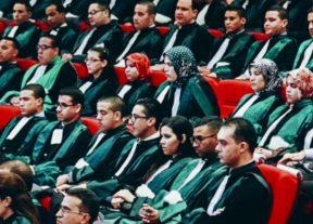 مجلس الحكومة يصادق على مشروع مرسوم بتحديد التعويضات والمنافع الممنوحة للقضاة خارج الدرجة